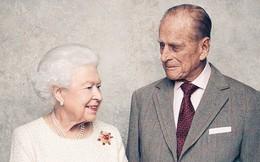 Dù 70 năm trôi qua, Nữ hoàng Elizabeth và Hoàng thân Philip vẫn hạnh phúc trong bộ ảnh kỷ niệm ngày cưới