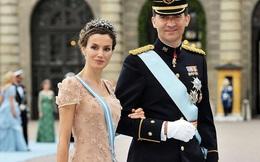 Vương quốc Anh có Công nương Kate thì Tây Ban Nha có Hoàng hậu Letizia, mặc đơn giản mà vẫn đẹp rạng ngời