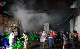 Hiện trường vụ cháy nhà xưởng ở Tân Phú, TPHCM