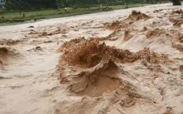 Mưa lũ kinh hoàng ở miền Bắc, cầu sập, nước ngập tới nóc nhà