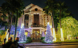 Chùm ảnh: Những chủ biệt thự ở phố nhà giàu Sài Gòn đầu tư cả chục triệu đồng trang trí Noel