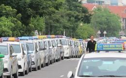 Bộ Giao Thông bác đề nghị 'tạm' kéo dài niên hạn taxi