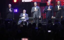Chuyện hiếm gặp: 5 cựu tổng thống Mỹ đồng thời xuất hiện tại một nơi để quyên tiền từ thiện