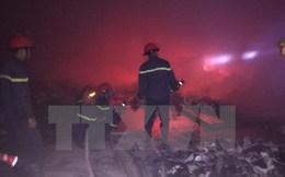 Thanh Hóa: Cháy lớn thiêu rụi kho hàng công ty thương mại Khắc Ánh
