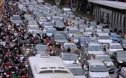 Giá thuê xe ôtô cận Tết cao gấp 3 lần mà vẫn không đủ nhu cầu