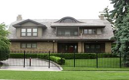 [Video] Căn nhà khiêm tốn của tỷ phú giàu thứ 4 thế giới