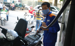 Giá xăng dầu giảm hơn 300 đồng/lít từ 15h ngày 5/5