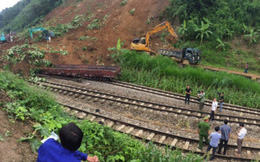 Chính thức thông đường sắt Hà Nội-Lào Cai sau nhiều ngày chia cắt 