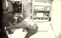 """Trụ ATM của ngân hàng ở Ninh Thuận bị trộm """"viếng"""""""