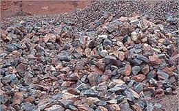 Giá quặng sắt tăng trở lại nhưng vẫn gần đáy 1 tháng