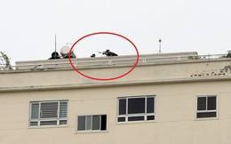 Cảnh sát dùng súng bắn tỉa vây bắt đối tượng hình sự cố thủ trong nhà ở Nghệ An