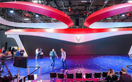 Hé lộ sân khấu VinFast tại Paris Motor Show trước giờ G: Mang cả biểu tượng hoa sen tới nước Pháp