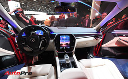 Cận cảnh nội thất SUV VinFast LUX SA2.0: Vô lăng chỉnh cơ, tích hợp điều khiển đa phương tiện và ra lệnh bằng giọng nói