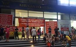 """Cư dân chung cư cao cấp ở Hà Nội bị cắt điện, nước vì treo băng rôn """"tố"""" chủ đầu tư?"""