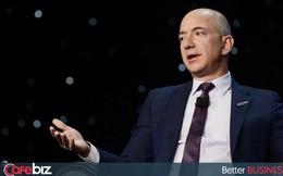 Suốt nhiều năm thua lỗ, cổ phiếu cứ tăng vù vù, đến khi báo lãi cao kỷ lục, cổ phiếu Amazon lại bất ngờ giảm mạnh