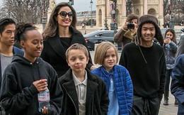 Các con nhà Jolie-Pitt đồng loạt than quá mệt mỏi khi sống với Angelina và chỉ muốn được ở bên bố Brad?