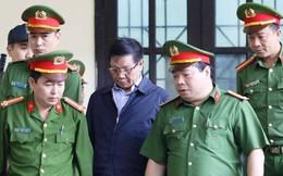 Ông Phan Văn Vĩnh vẻ mệt mỏi nghe VKS công bố cáo trạng buộc tội