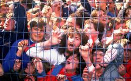 """Những thảm kịch kinh hoàng khi fan đi """"cửa ngách"""" vào sân vận động"""