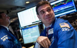 """Dow Jones tăng hơn 900 điểm trong 3 ngày liên tiếp, chứng khoán Mỹ thoát khỏi """"vũng lầy"""""""