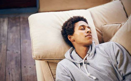 8 thói quen tưởng chừng vô hại này có thể khiến bạn bị loãng xương sau này: Trẻ không sửa đổi, già phải hối tiếc