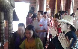 Mướt mồ hôi ở ngôi chùa lớn nhất miền Tây ngày Mùng 1 Tết