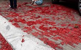 Hải Phòng: Ngày mùng 1 tết, xác pháo đỏ đường