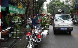 Quận Hoàn Kiếm ra quân lập lại trật tự vỉa hè trong ngày làm việc đầu tiên của năm mới