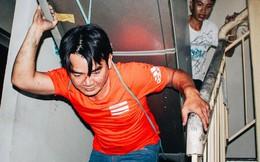 Khổ như cư dân chung cư Carina sau vụ cháy: Cõng tủ lạnh xuống mấy tầng lầu, dùng ròng rọc chuyển đồ suốt nhiều ngày liền