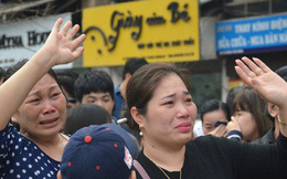 Chùm ảnh: Những giọt nước mắt bịn rịn của người thân ngày tiễn tân binh lên đường nhập ngũ