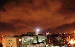 Video không quân Syria bắn hạ tên lửa tấn công Damascus đêm 16/4
