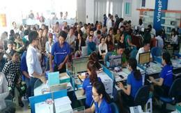 Thất thủ ở các điểm giao dịch ở thành phố, khách hàng đến tỉnh khác để đăng ký thông tin thuê bao