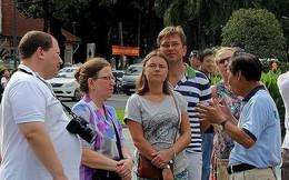 Đừng xem thường hướng dẫn viên du lịch, bắt họ làm chui