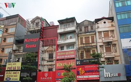 Ảnh: Phố phường Hà Nội nhếch nhác vì bảng quảng cáo