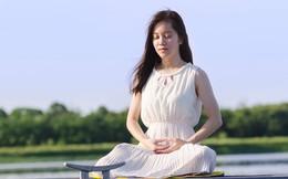"""Chỉ 10 phút tập thiền mỗi ngày, cuộc sống của tôi đã thay đổi hoàn toàn: Tâm tĩnh lại, cơ thể thư giãn và cảm xúc không còn """"lấn át"""""""