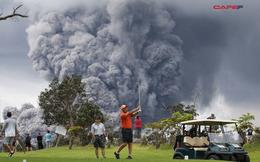 Bất chấp núi lửa phun trào ở Hawaii, các golfer vẫn bình thản vung gậy để trải nghiệm cảm giác mạo hiểm