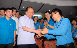 Chùm ảnh: Thủ tướng đối thoại với công nhân
