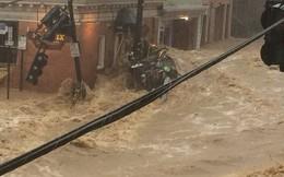 Mưa lớn, lũ bùn nhấn chìm thành phố Mỹ