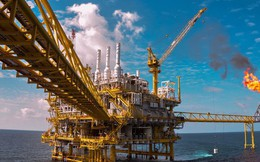 Hai nguyên nhân phía sau cú đảo chiều chóng vánh của giá dầu