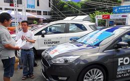 Tranh cãi mua ô tô phải mở tài khoản ngân hàng