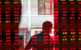 Chứng khoán giảm sâu, nhân dân tệ rớt giá, bất ổn bao trùm thị trường tài chính Trung Quốc
