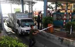 Tài xế dùng dao chặt barie, tát nhân viên trạm BOT ở Thái Bình
