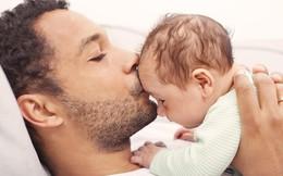 Được làm cha là niềm hạnh phúc nhất: Những bức ảnh ngọt ngào ghi lại khoảnh khắc các ông bố khắp thế giới đón chào giây phút con chào đời