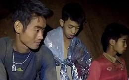 Thái Lan: HLV đội bóng mắc kẹt có thể ở lại một mình trong hang