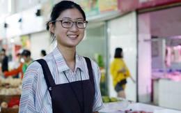 Vừa ôn thi đại học vừa bán trái cây ở chợ, nữ sinh lớp 12 kiếm hơn 100 triệu mỗi tháng