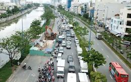 Đại lộ Võ Văn Kiệt sụt lún, giao thông bị phong tỏa nhiều giờ