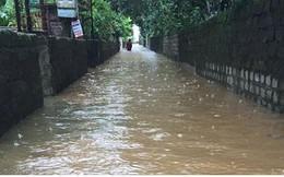 Video: Mưa lớn ở Quảng Ninh, quốc lộ 18 ngập sâu đến 1,5m