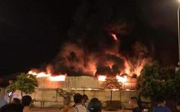 Hưng Yên: Cháy lớn chợ Gạo trong đêm