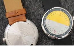 Cận cảnh chiếc đồng hồ kỳ lạ không kim giờ, kim phút