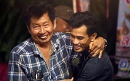 Người Thái thở phào hạnh phúc khi tìm thấy 13 thành viên đội bóng sống sót và an toàn