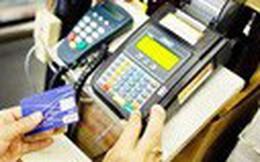 Phát hiện nhóm người nước ngoài dùng thẻ tín dụng giả mua hàng